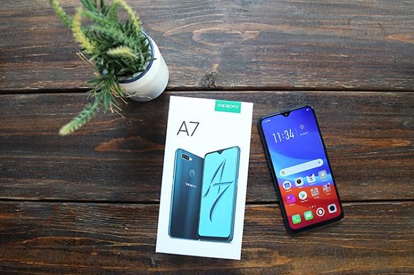 Những hình ảnh mới nhất về chiếc điện thoại Oppo A7 xanh lục bảo