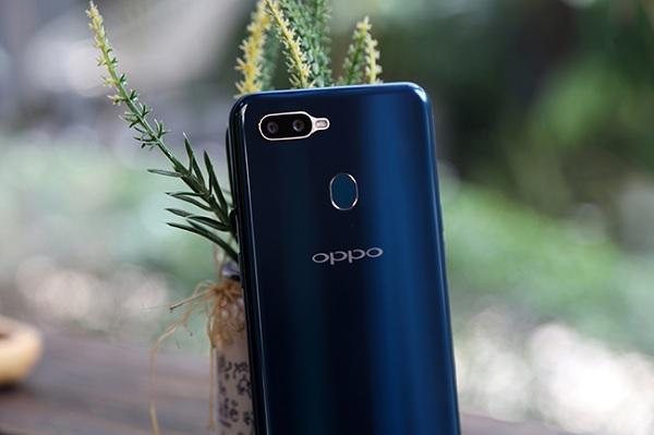 OPpo a7 2018 xanh lục bảo 2