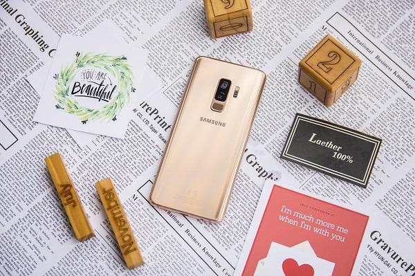 Trên tay Galaxy S9+ Hoàng Kim tuyệt đẹp vừa ra mắt