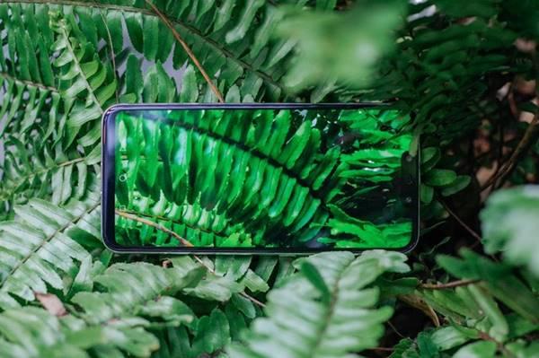 Kiểu dáng cong mềm mại của Huawei Nova 3i