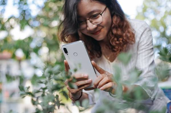 Huawei Nova 3i đem về những tấm hình xoá font cực đỉnh