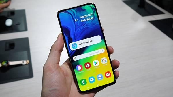 màn hình hiển thị Galaxy A80
