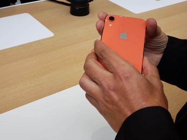 Trên tay iPhone Xr: đẹp và vô cùng bắt mắt