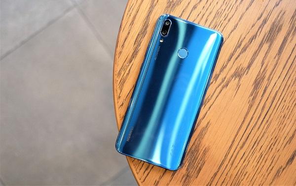 Đánh giá nhanh thiết kế Huawei Y9 2019