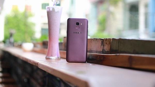 Đánh giá thiết kế Galaxy J6 2018 màu tím, phiên bản đặc biệt trên thiết bị mới của Samsung