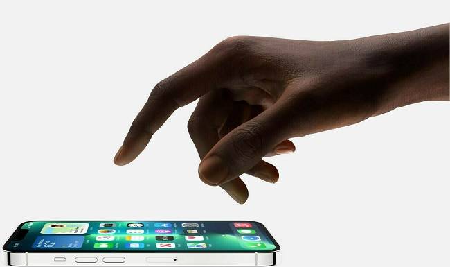 iPhone 13 Pro Max được thiết kế sang trọng và vuông vắn