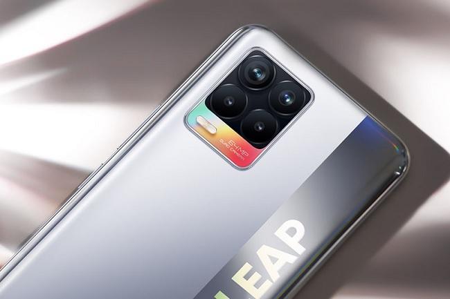Camera sau Realme 8 được tích hợp tính năng tự động chỉnh sửa giúp tạo ra những bức hình vượt trội về chất lượng