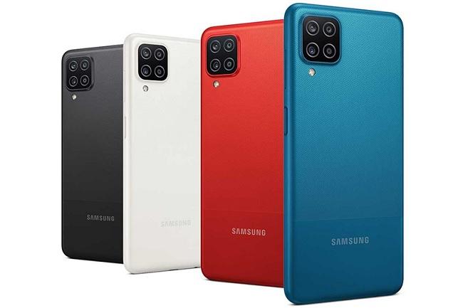 Galaxy A12 có 4 tùy chọn về màu sắc gồm: Xanh, đỏ, trắng và đen