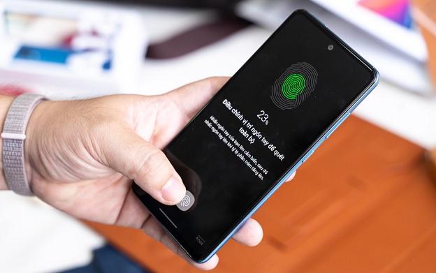Galaxy A52 được trang bị cảm biến vân tay dưới màn hình
