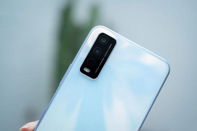Vivo Y20 được trang bị 3 camera AI