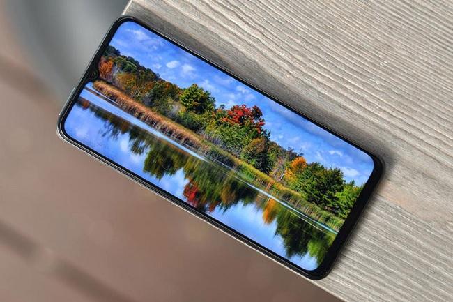Màn hình Vivo Y72 5G được hỗ trợ gam màu 96% NTSC cho trải nghiệm chân thực
