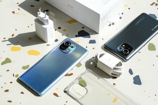 Xiaomi Mi 11 5G được tích hợp thêm tính năng sạc ngược 10W cho các thiết bị khác