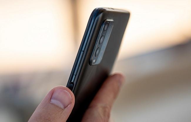 Xiaomi Redmi 9T cho cảm giác thoải mái khi cầm