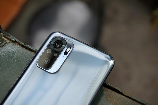 Cận cảnh camera sau của Xiaomi Redmi Note 10